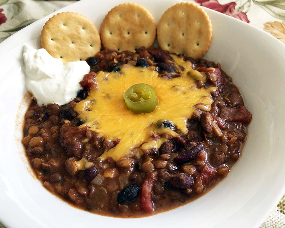 vegetarian chili with the works