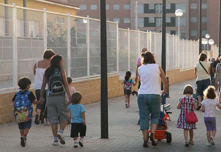 La Comunidad de Madrid adelanta el proceso de escolarización para burlar la Ley Celaá