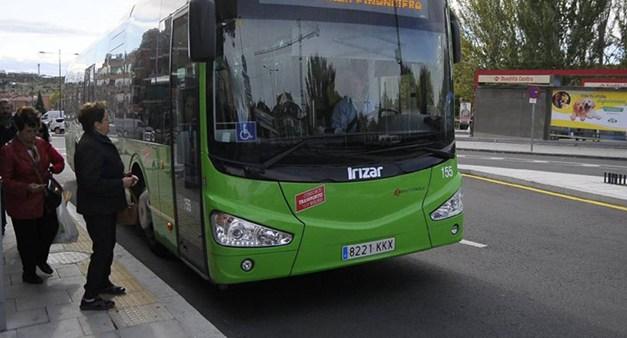 Móstoles mantiene las ayudas para el abono transporte a los mayores de 65 años