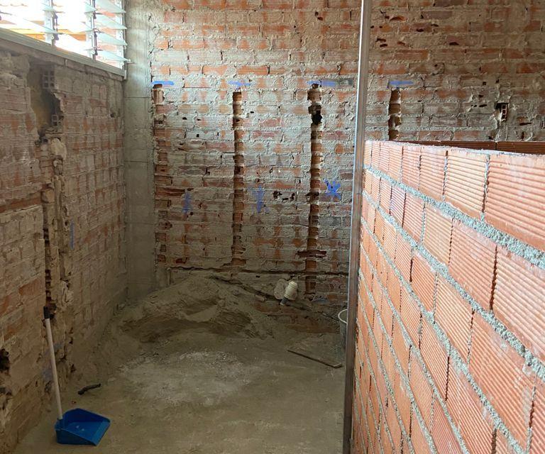"""Los alumnos de Móstoles comenzarán el curso con 25 colegios en obras por la """"incapacidad"""" del gobierno local"""