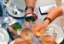 Las altas temperaturas han llegado y es necesario encontrar una fuente de hidratación, como pueden ser los vinos, siempre con un consumo moderado.
