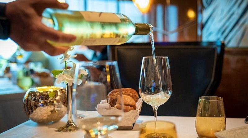 El aislamiento social nos ha cambiado las ocasiones de consumo y muchas veces la botella de vino que antes era compartida, ya no lo es