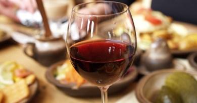 Las Fiestas Patrias son los días más esperados del año en Chile, fecha donde la comida y un buen vino son los protagonistas de la historia