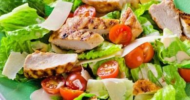 Ante el pronto arribo del verano, los ciudadanos comienzan a preocuparse por llevar una dieta balanceada, potenciando el consumo de carnes blancas o magras. Es así como el pollo y el pescado, por ejemplo, registran un alza significativa de su consumo