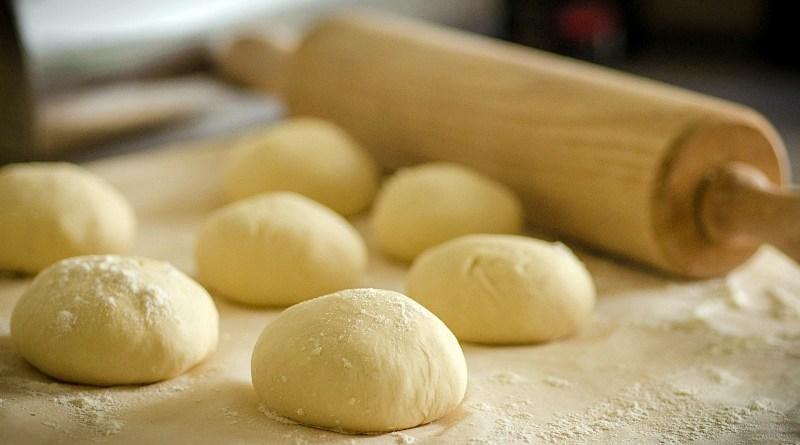 Una de las nuevas tendencias que impulsó la pandemia es el horneado en casa de pan, galletas, pasteles o productos similares. Esto, además de generar un mayor interés por la cocina, ha conseguido que las personas busquen alternativas más saludables para disfrutar en su hogar