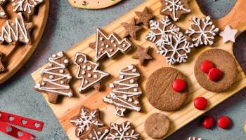 Cada vez está más cerca la Navidad, por lo que es hora de poner manos en la masa y comenzar a hacer esas clásicas recetas que tanto deleitan a la familia. Son preparaciones relativamente sencillas y que hacen que el espíritu navideño renazca en cada hogar.