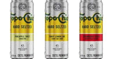 Coca-Cola acaba de anunciar el lanzamiento en Chile de Topo Chico Hard Seltzer, su primera bebida con alcohol. Viene en tres sabores: piña, lima limón y fresa guayaba.