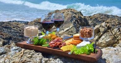 El verano ya está aquí, al igual que nuestras ganas de comer alimentos más frescos y livianos, entre los cuales se encuentra el queso. Su gran versatilidad nos permite preparar platos y postres increíbles