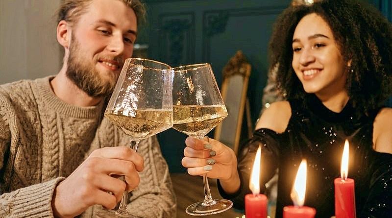 Los licores y cócteles son infaltables para una velada perfecta este 14 de febrero, cuando se celebra el Día de San Valentín. Y es que preparar algo especial para la persona que amas es uno de los gestos que más amor puede demostrar.