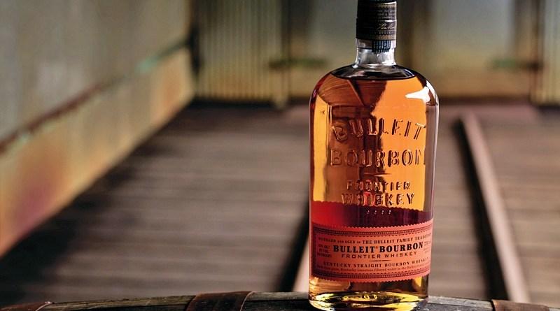 El interés por el whiskey americano se encuentra en auge, por lo que la marca Bulleit relanza su icónico whiskey en nuestro país.