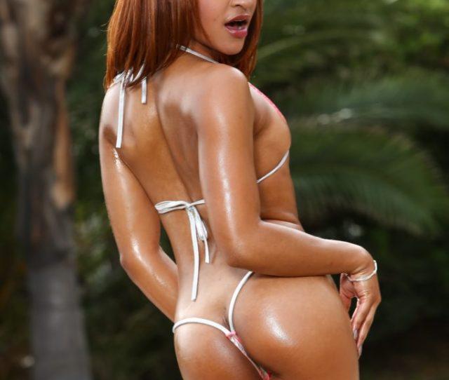 Black Girl Gets Naked Dildo For Hot