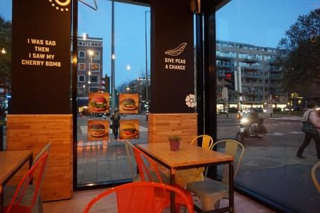 flower-burger-rotterdam-lines