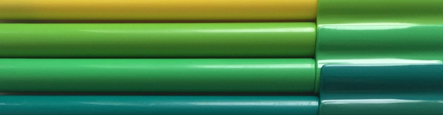 coloured felt ip pens arranged in a rainbow