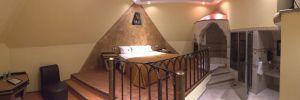 Motel Faraon Habitación piramide