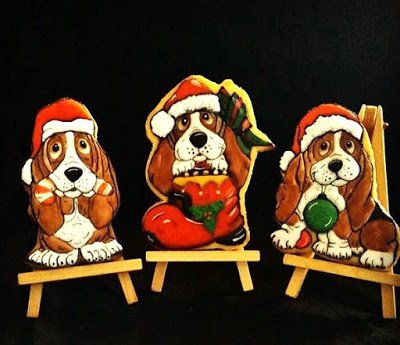 Christmas Bassett Hounds from Of Mice and raMen