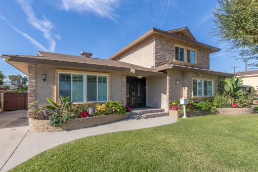 12259 Glynn Ave Downey, CA 90242 | 6 BED | 4 BATH | 3,016 LIVING SQ FT