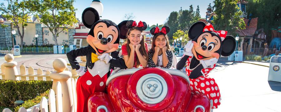 Disneyland Signature Photo Experience