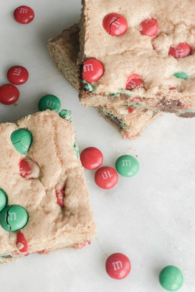 M&M Christmas Cookie Bars || Motherhood in May
