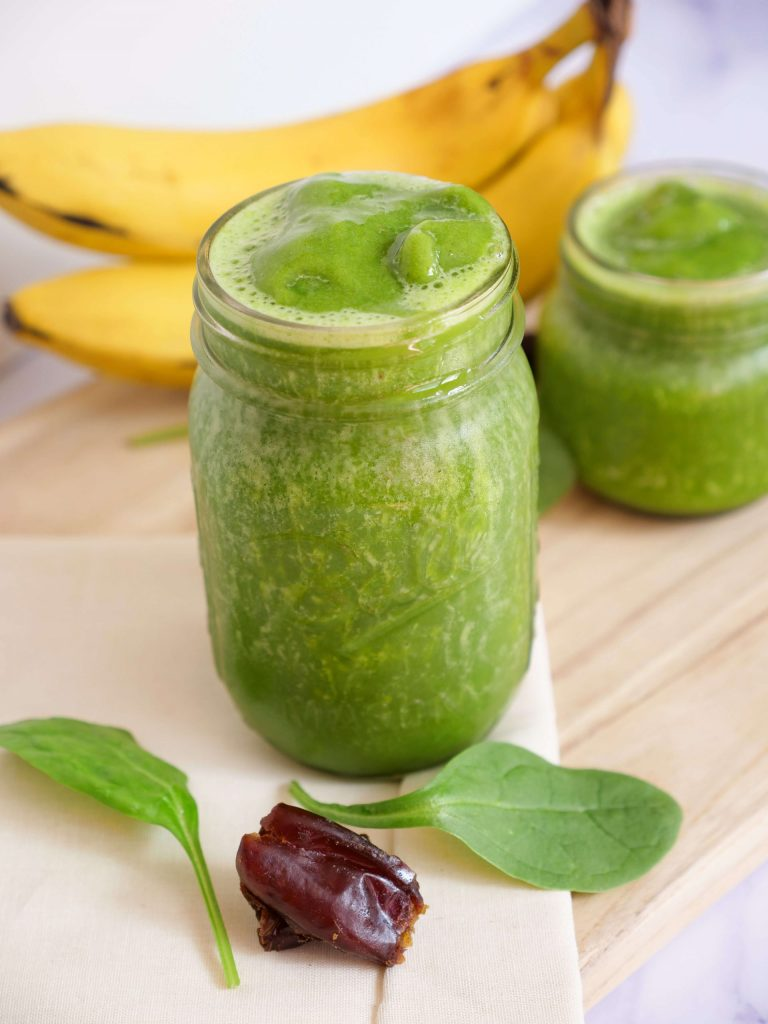 green smoothie with banana and dates