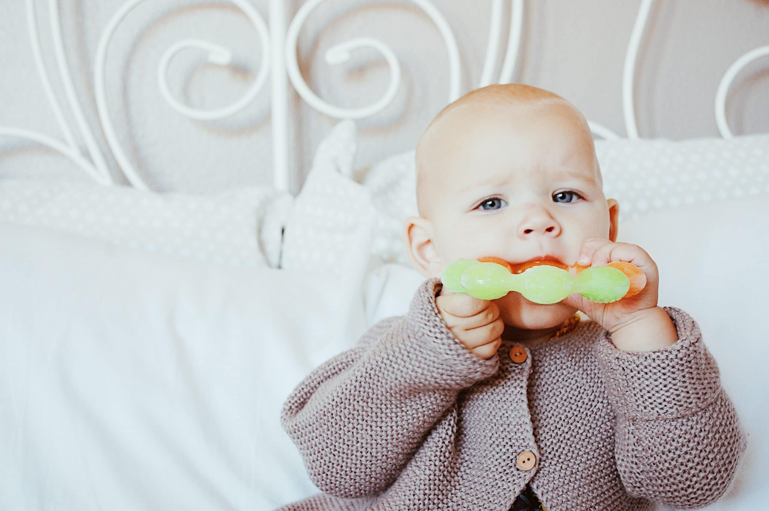 My 3 Favorite Natural Teething Remedies