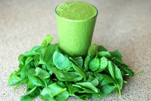 Ultimate Green Smoothie-freshmilkmama.com