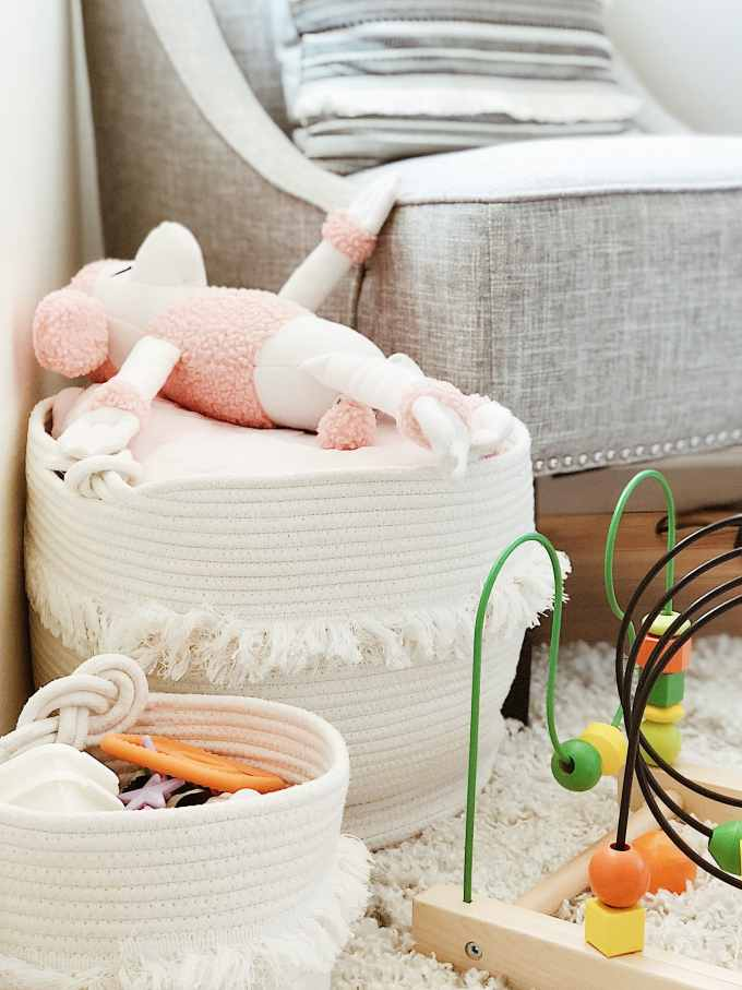 12 Daily Decluttering Tips