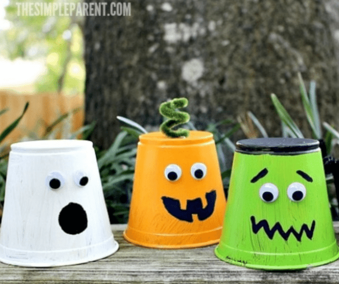 Creepy Halloween Cups - Halloween Crafts for Toddlers