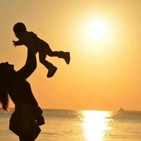 http://www.motherhoodtherealdeal.com