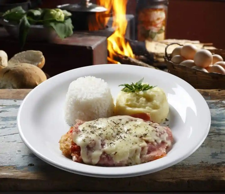 Chicken Parmigiana with Mashed Potatoes_2