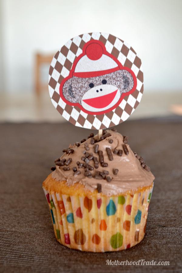 sockmonkey-cupcake-topper
