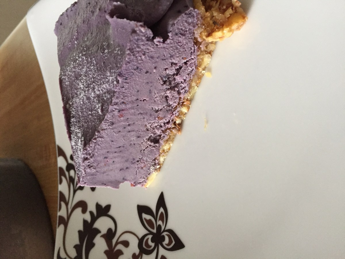 blueberry and blackberry vegan cheesecake