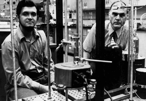 Dr. Molina, left, and F. Sherwood Rowland in theirlaboratory at the University of California, Irvine, in 1976. Together they developed the theory of ozone depletion for which they would win the Nobel.