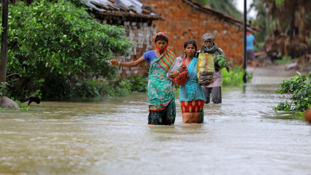 Flood situation at Sankrail in Howrah district after the cyclone. (TOI, BCCL, Kolkata)