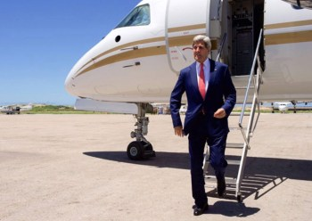 kerry private jet