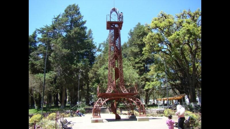 Sucre_Eiffel_Turm