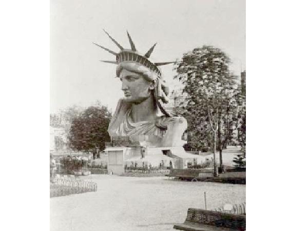 Ausstellung des Kopfes der Freiheitsstatue