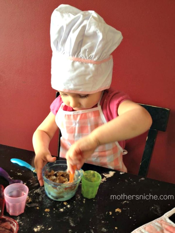 Cookie dough recipe that makes 1 cookie: perfect sensory activity for toddlers!