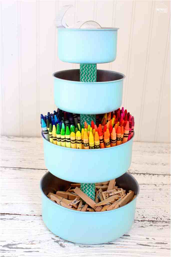 MAKE AN ART CART! crayon tower
