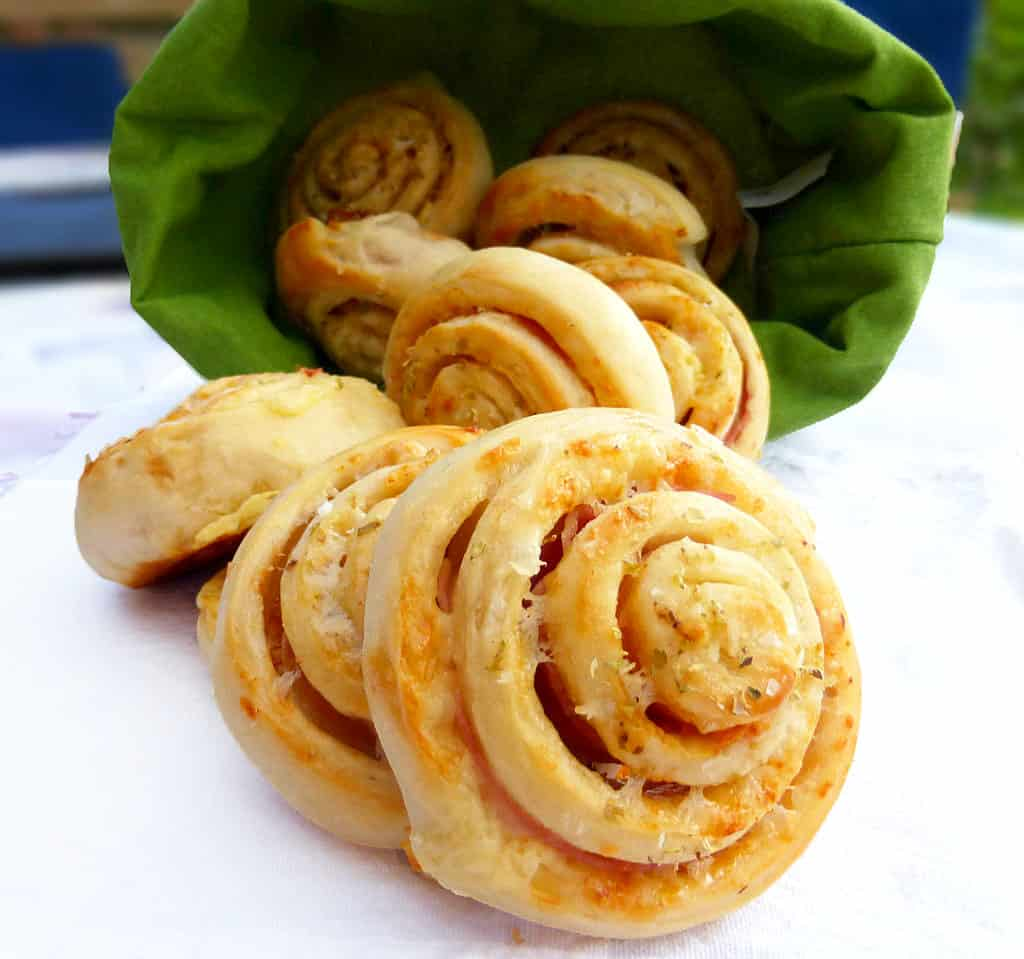 Cheddar and Ham Pinwheels and other easy school lunch ideas
