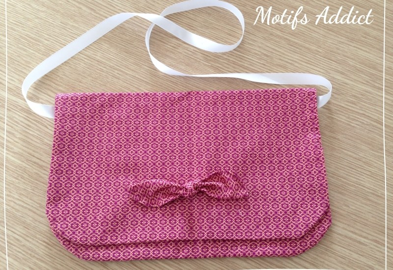 pochette-tissu-motifs-violets