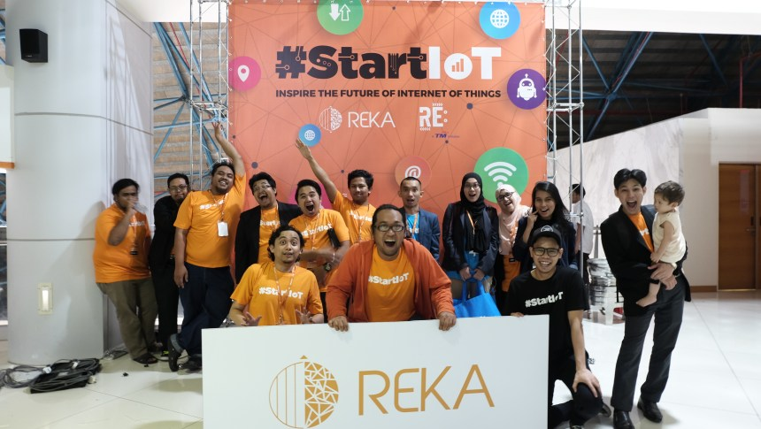 REKA Showcases Malaysia First Self-Driving Car Technology at KLIAS 2017 #StartIoT TM RE: IoT autonomous vehicle