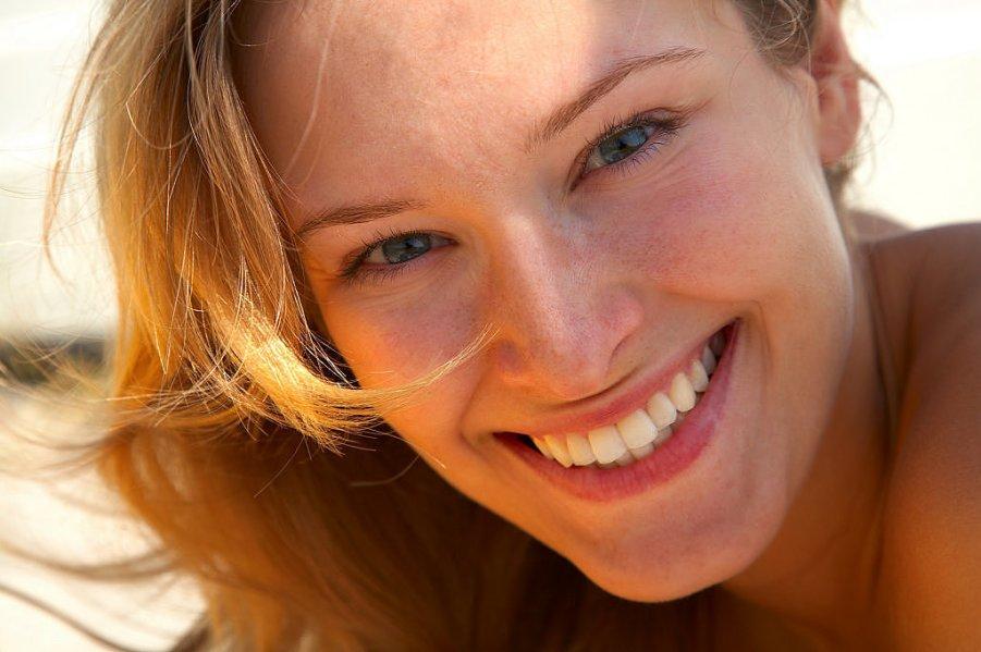 mujer-sonrisa-x-1
