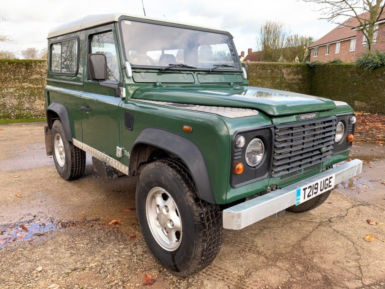 99/T Defender 90 TD5 6 seater galvanised chassis rebuild for sale at Motodrome