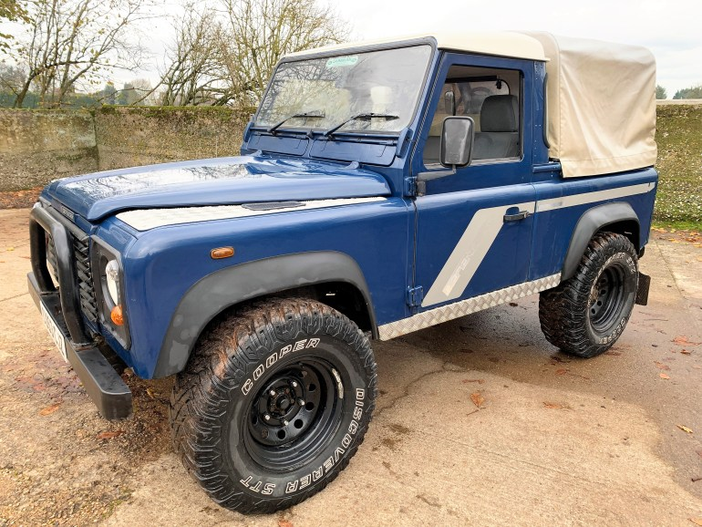 2003/53 LAND ROVER DEFENDER 90 TD5 PICKUP FOR SALE AT MOTODROME