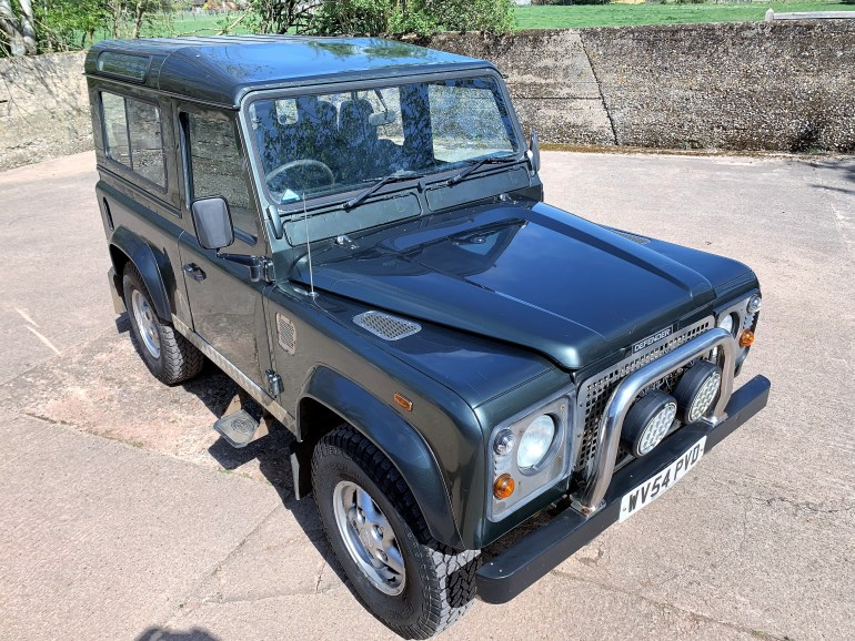 04/54 Defender 90 TD5 County 6 seater JE Engineering stage 2 upgrade for sale