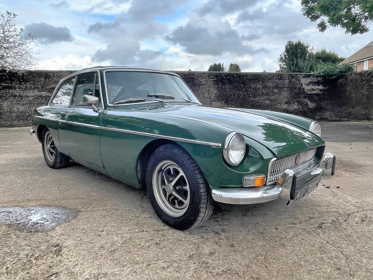 1972 MG B GT with overdrive FOR SALE AT MOTODROME