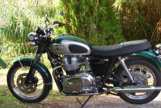 1500_Triumph bonneville Green