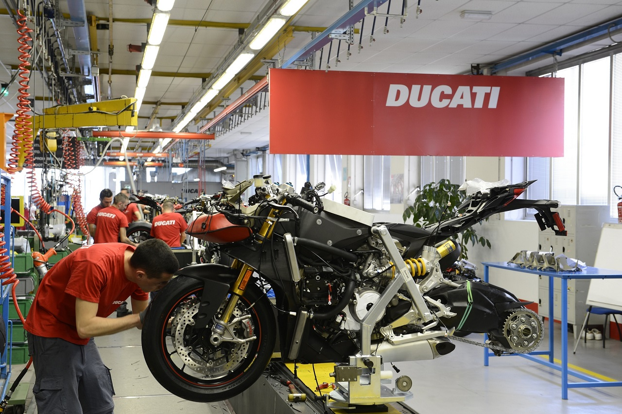ducati-factory-italy-autoevolution-revista-moto-adventure