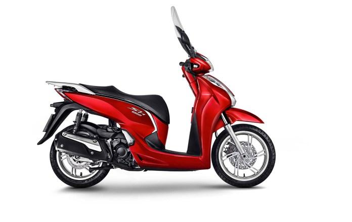 honda-sh-3001-scooter-moto-adventure-capa