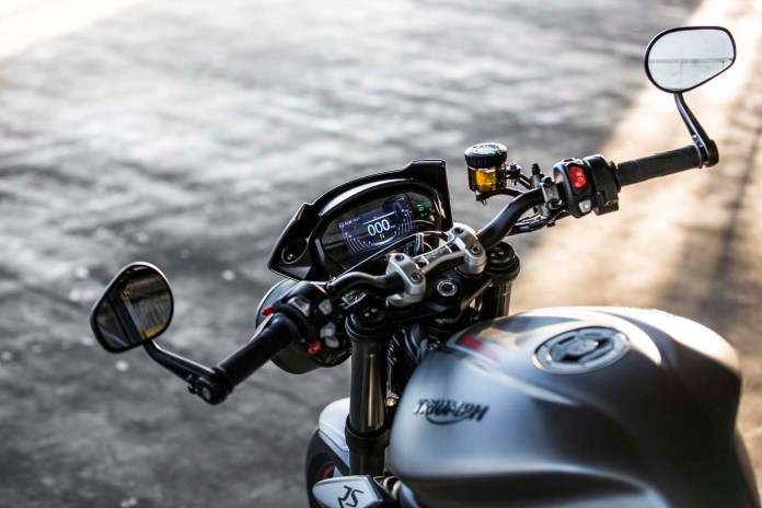triumph-street-triple-rs-2020-moto-adventure